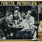Bette Davis, Leslie Howard, Paul Harvey, and Genevieve Tobin in The Petrified Forest (1936)