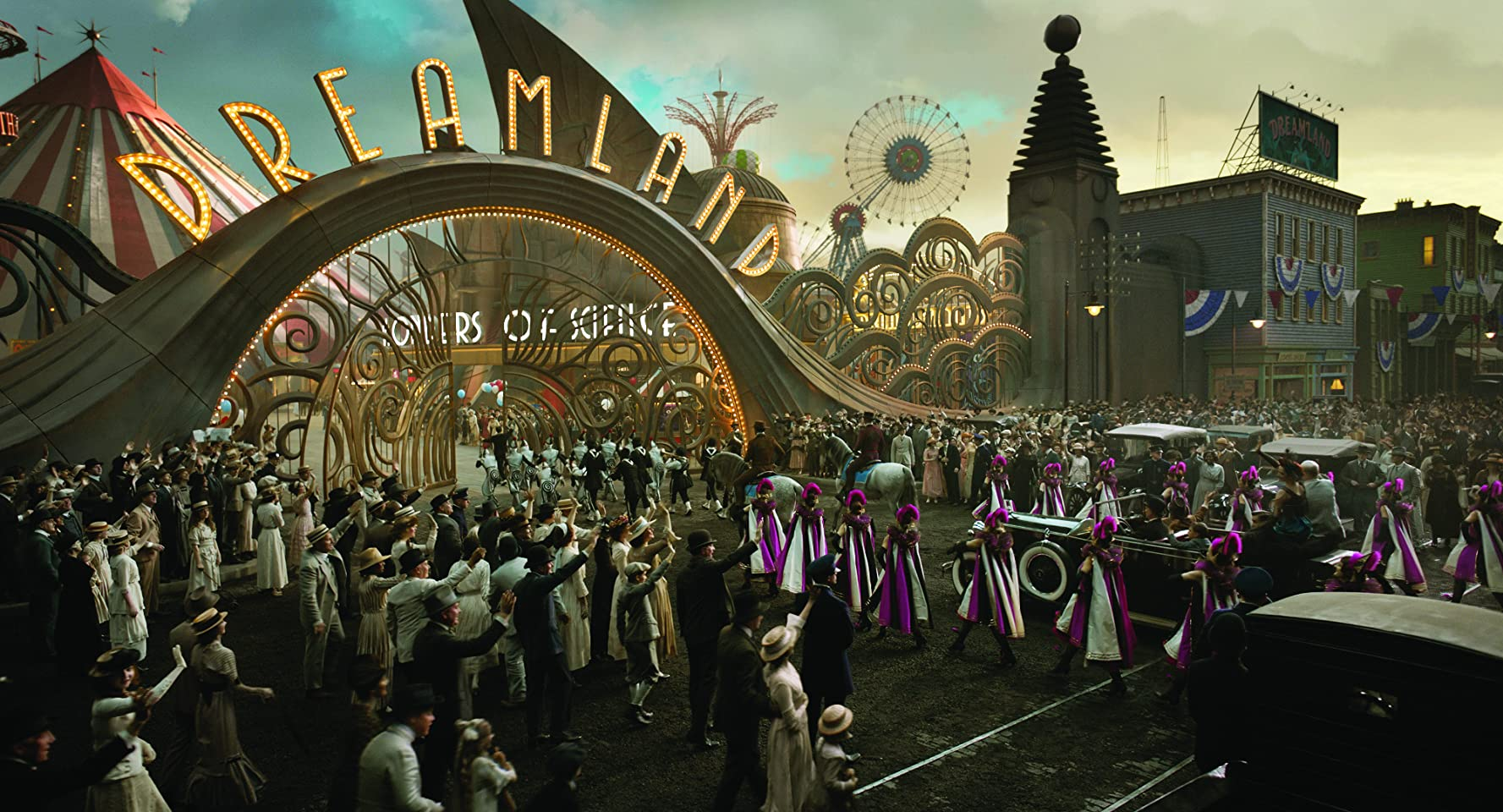 George Gjiggy Francis in Dumbo (2019)