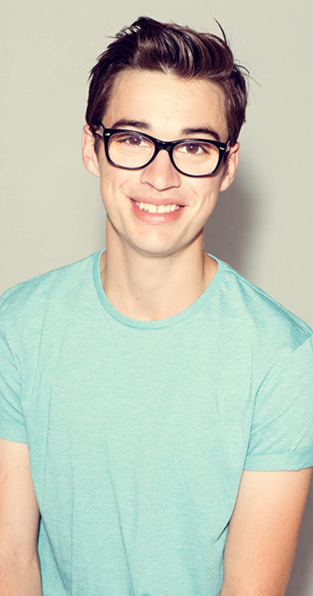 joey from liv and maddie