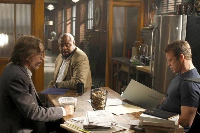 Jackie Earle Haley, Chi McBride, and Mark Valley in Human Target (2010)