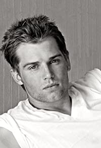 Primary photo for Mike Vogel