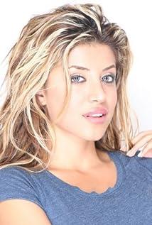 Leyla Milani Picture