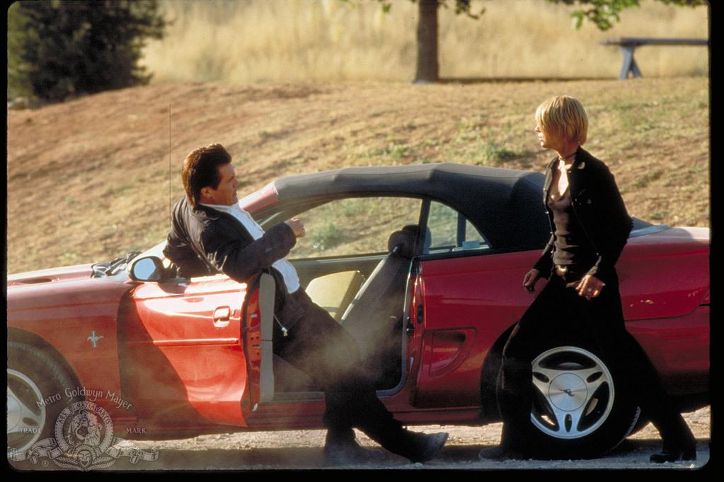 Claire Danes and Josh Brolin in The Mod Squad (1999)