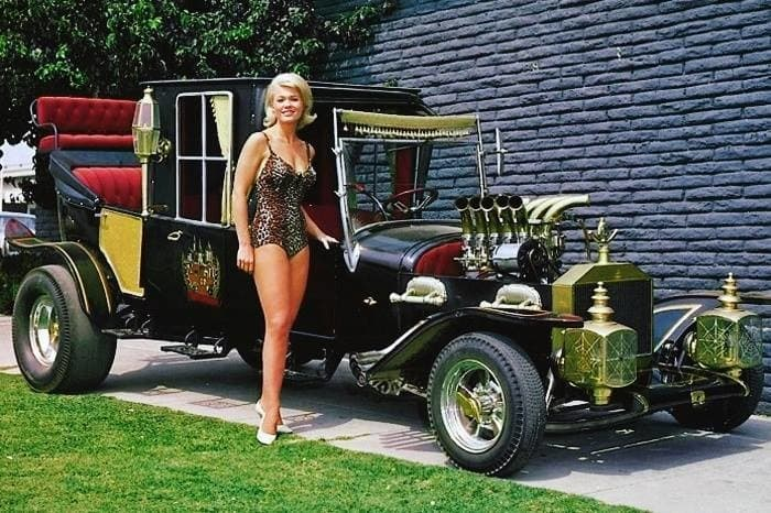 Pat Priest in The Munsters (1964)