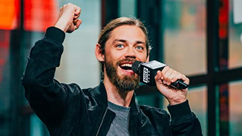 "BUILD: Tom Payne Loves Seeing the Reactions of ""The Walking Dead"" Fans"