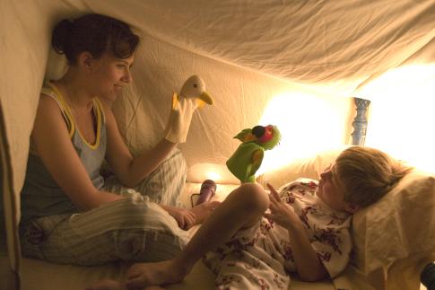 Scarlett Johansson and Nicholas Art in The Nanny Diaries (2007)