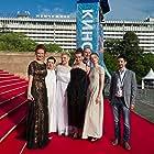 Nadezhda Ivanova, Vladislav Pasternak, Kseniya Zueva, Katerina Mikhaylova, Igor Fokin, Elena Chekmazova, and Natalya Menshova at an event for Blizkie (2017)