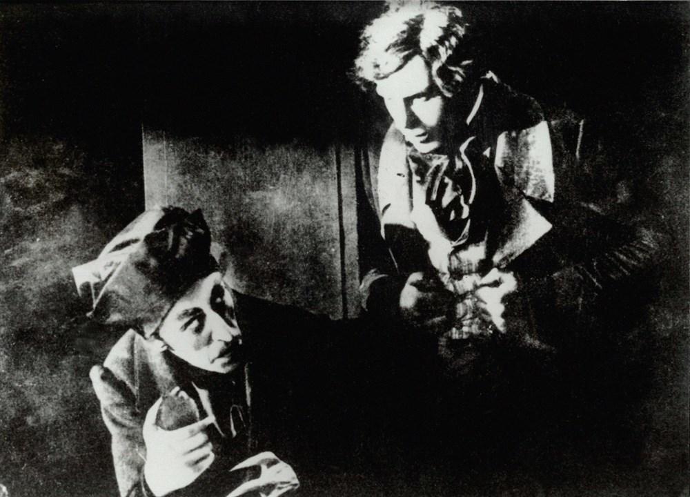 Max Schreck and Gustav von Wangenheim in Nosferatu, eine Symphonie des Grauens (1922)