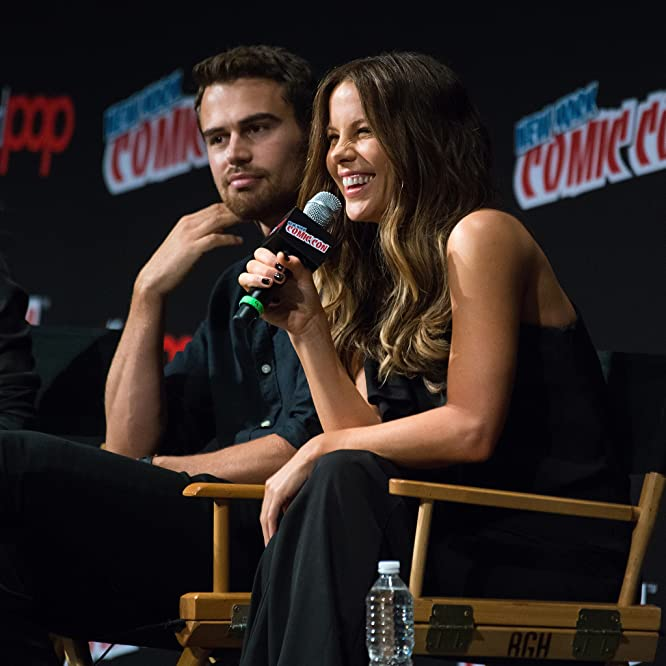 Actors Theo James (L) and Kate Beckinsale attend the Screen Gems - Resident Evil: The Final Chapter and Underworld: Blood Wars panel during 2016 New York Comic Con at The Theater at Madison Square Garden on October 7, 2016 in New York City.