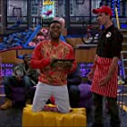 Briggon Snow and Kel Mitchell on 'Game Shakers'.