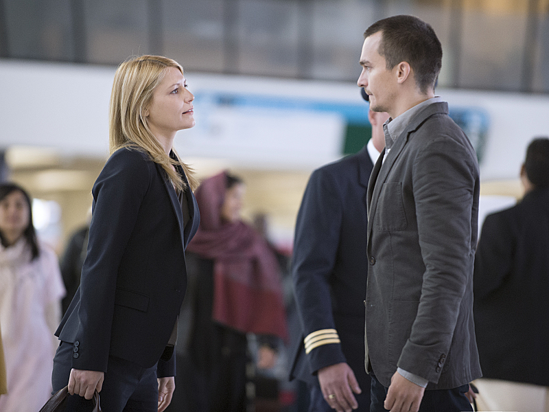 Claire Danes and Rupert Friend in Homeland (2011)