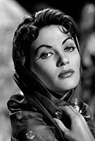 Primary photo for Yvonne De Carlo
