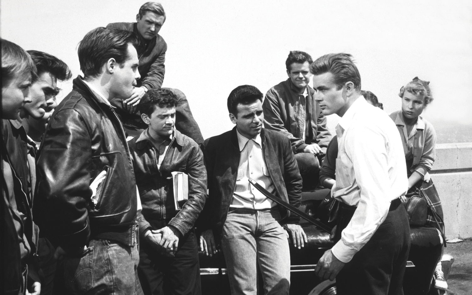 James Dean, Dennis Hopper, Corey Allen, Nick Adams, Jack Grinnage, Beverly Long, and Frank Mazzola in Rebel Without a Cause (1955)