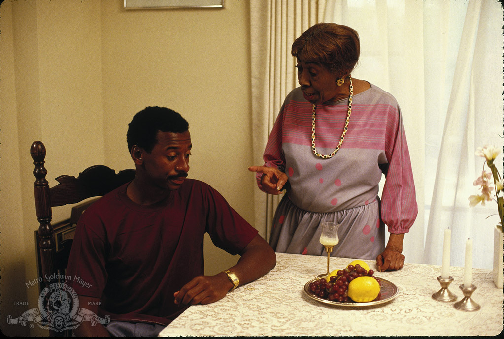 Helen Martin and Robert Townsend in Hollywood Shuffle (1987)