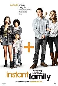 Mark Wahlberg, Rose Byrne, Gustavo Escobar, Isabela Merced, and Julianna Gamiz in Instant Family (2018)