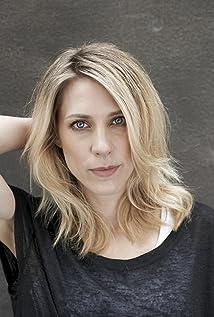 Marisa Leonie Bach Picture