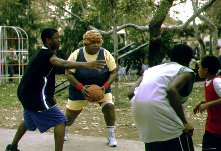 Martin Lawrence prove's Big Momma can shoot some hoops