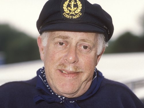 Clive Swift in Keeping Up Appearances (1990)