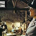 Jean-Pierre Mocky in Le piège à cons (1979)