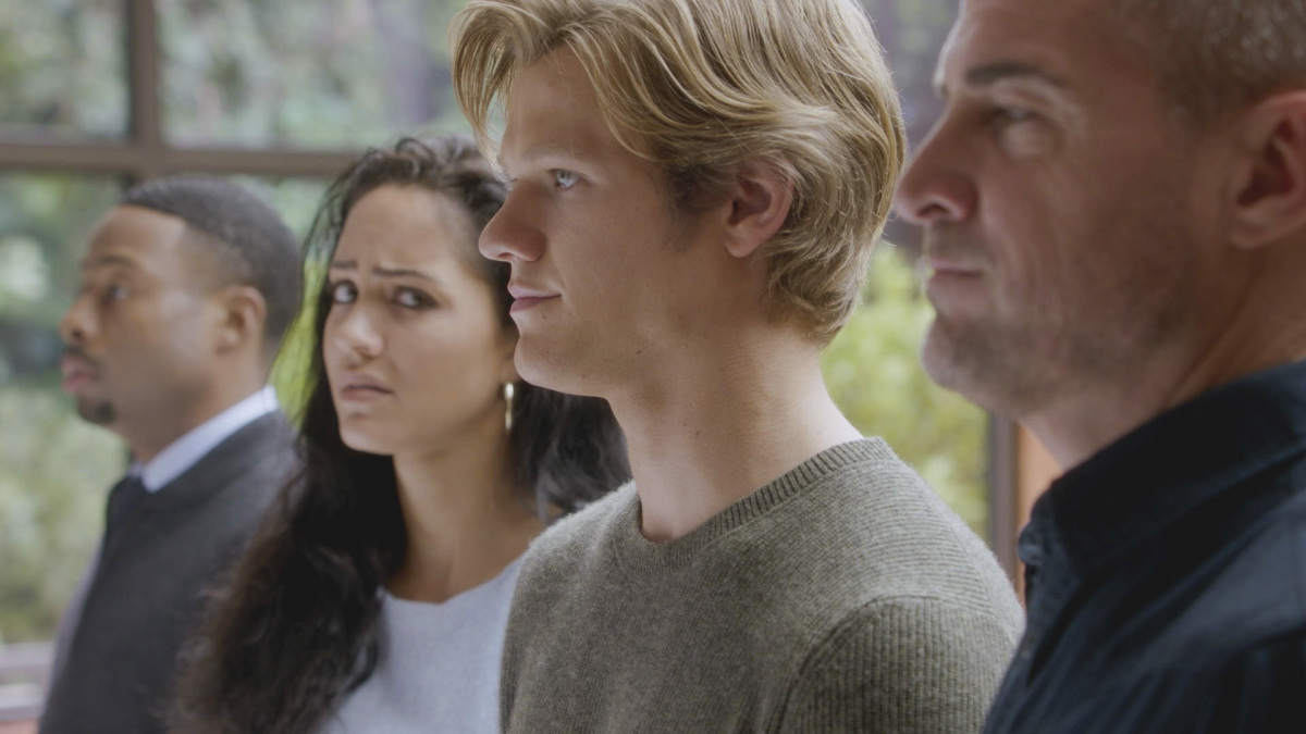 George Eads, Tristin Mays, Lucas Till, dan Justin Hires in MacGyver (2016)