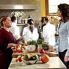 Lauren Graham and Melissa McCarthy in Gilmore Girls (2000)