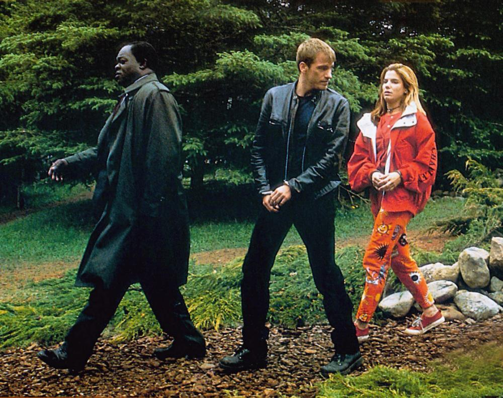 Sandra Bullock, Yaphet Kotto, and Denis Leary in Two If by Sea (1996)