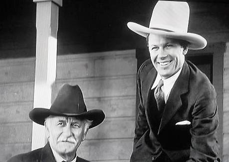 Tom Keene and Lafe McKee in Cross Fire (1933)