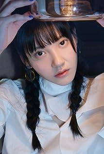 Chuchu Zhou Picture