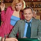 Nelli Gini and Giorgos Pantzas in Pame gia... kafe?! (1981)