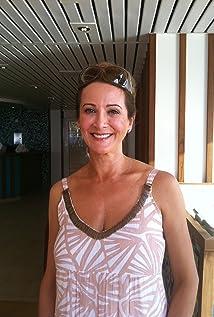 Deborah Galanos Picture