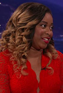 Phoebe Robinson Picture