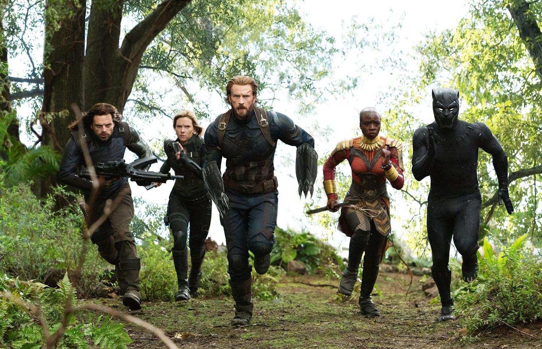 Chris Evans, Scarlett Johansson, Chadwick Boseman, Sebastian Stan, and Danai Gurira in Avengers: Infinity War (2018)