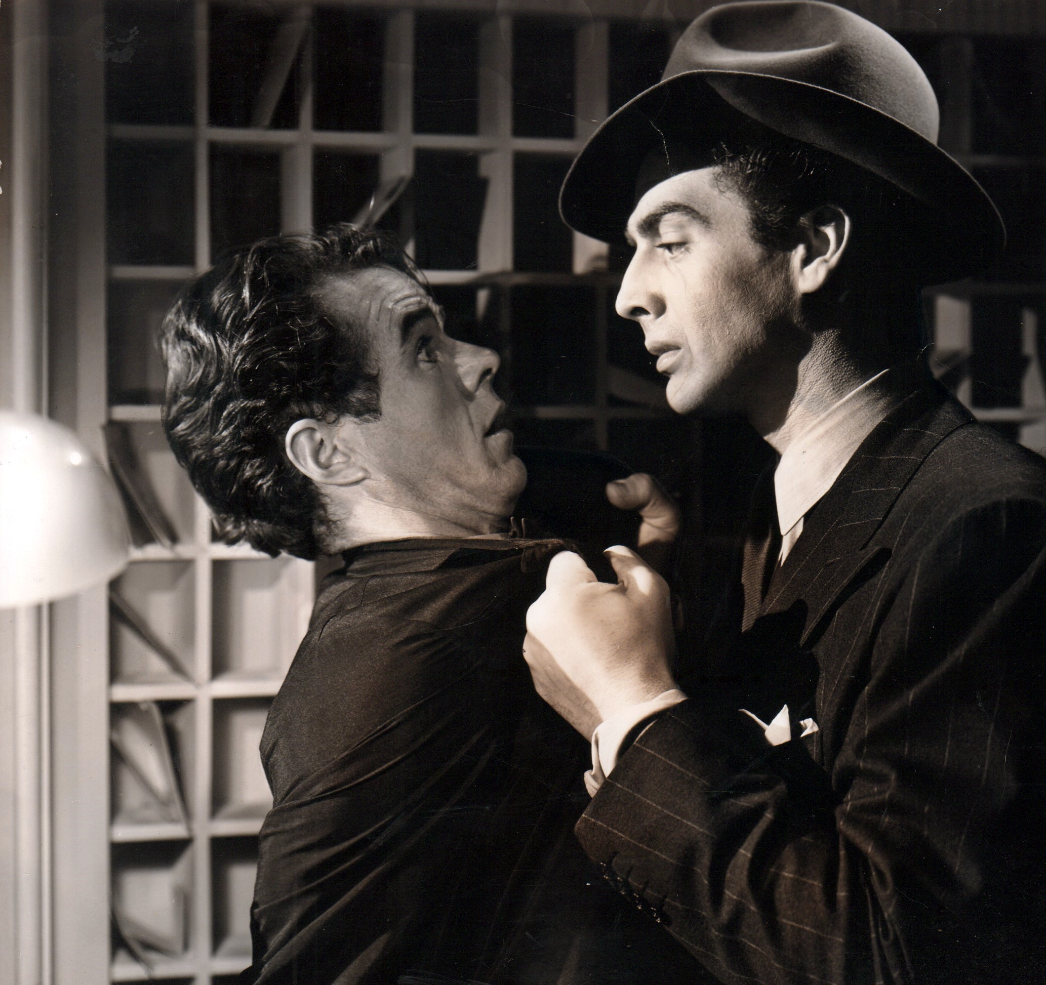 Victor Mature and Elisha Cook Jr. in I Wake Up Screaming (1941)