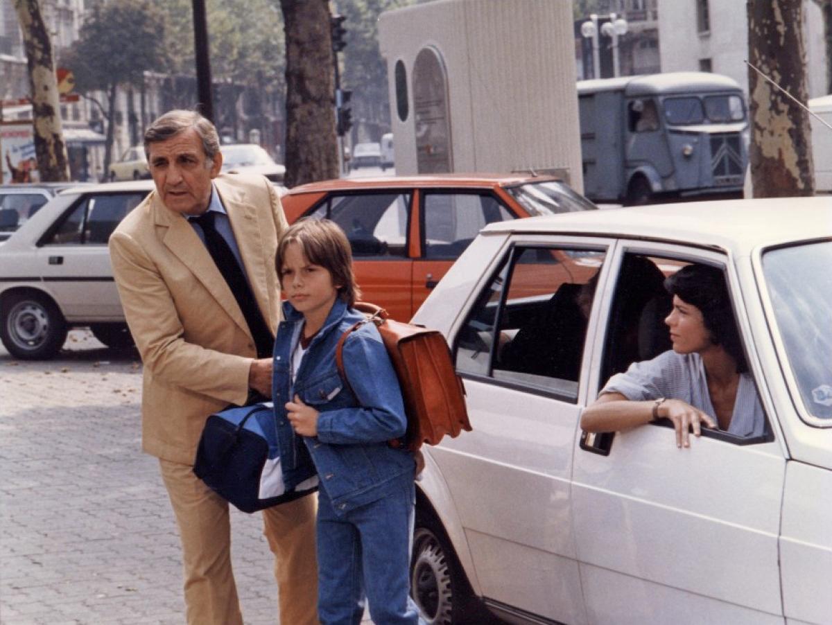 Elizabeth Bourgine, Lino Ventura, and Karol Beffa in La 7ème cible (1984)