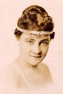 Maude Lambert Picture