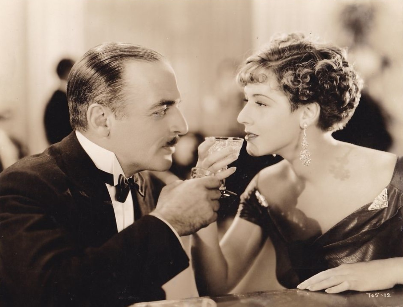 Mae Clarke and C. Henry Gordon in Penthouse (1933)