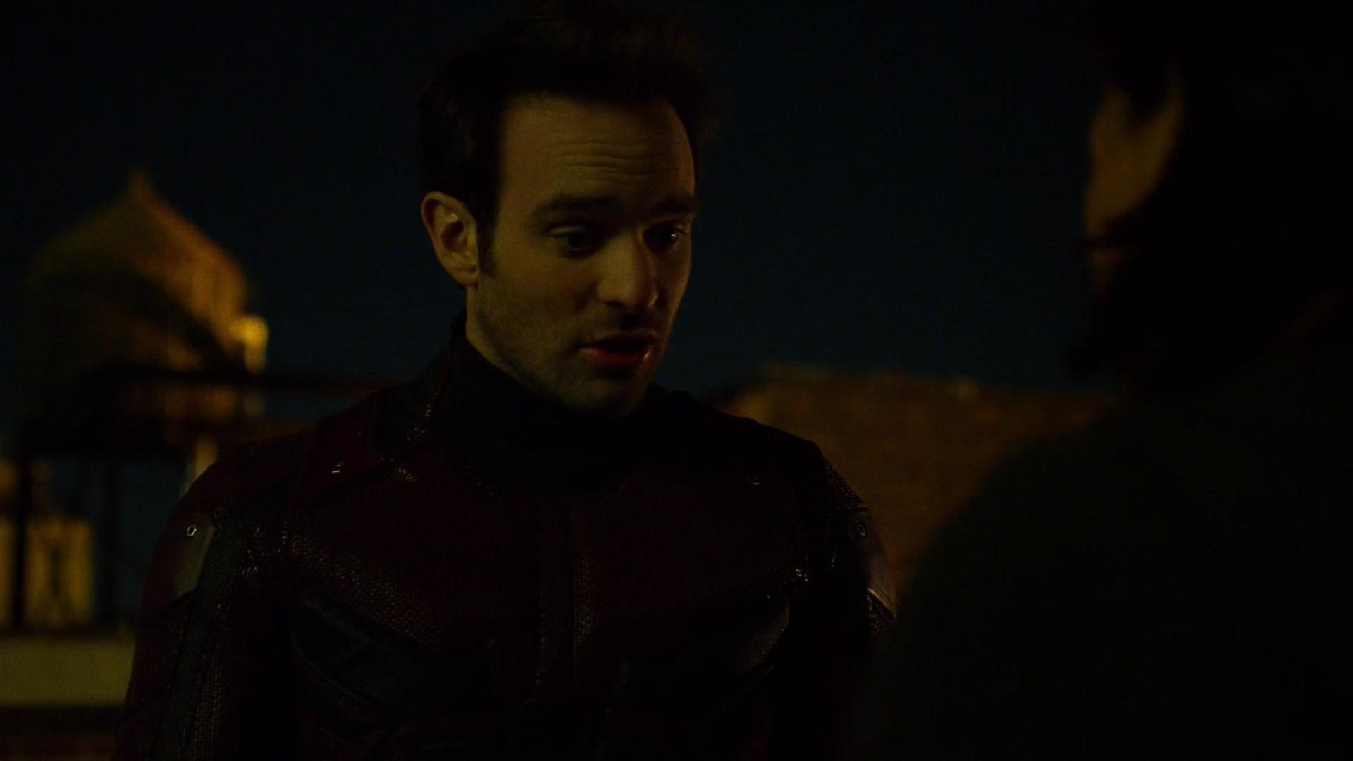 Rosario Dawson and Charlie Cox in Daredevil (2015)