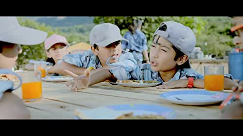 Chintoo, a sweet but notorious boy, and his friends attempt to find ways to get back their playground from a local thug named Guru.