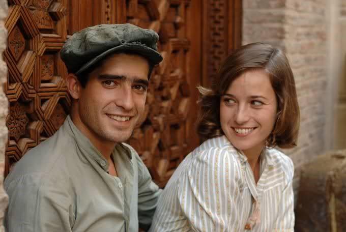 Alberto Ferreiro and Marta Etura in Las 13 rosas (2007)