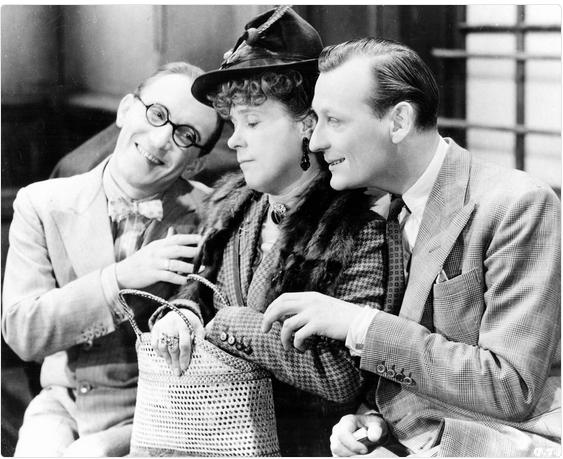Arthur Askey, Kathleen Harrison, and Richard Murdoch in The Ghost Train (1941)