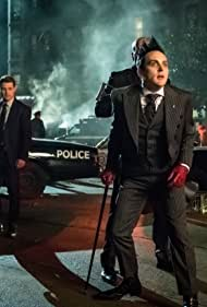 Ben McKenzie and Robin Lord Taylor in Gotham (2014)