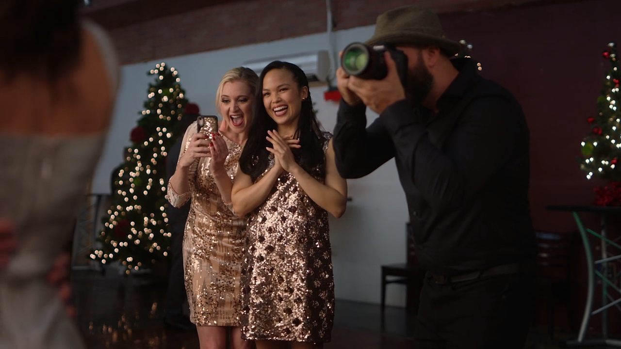 Katherine Bailess and Nikki SooHoo in The Naughty List (2019)