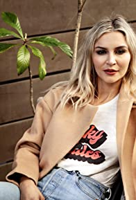 Primary photo for Samaire Armstrong