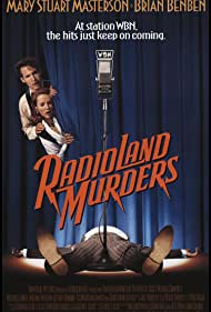 Mary Stuart Masterson and Brian Benben in Radioland Murders (1994)