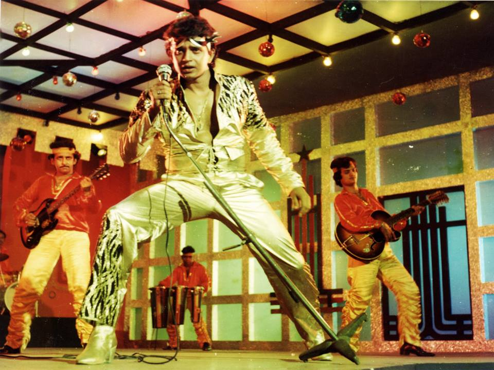ajab-jankari-bollywood-ke-kisse-mithun-chakravarty-was-naksal-before-doing-films