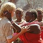 Nina Hoss and Helen Namaso Lenamarken in Die weiße Massai (2005)