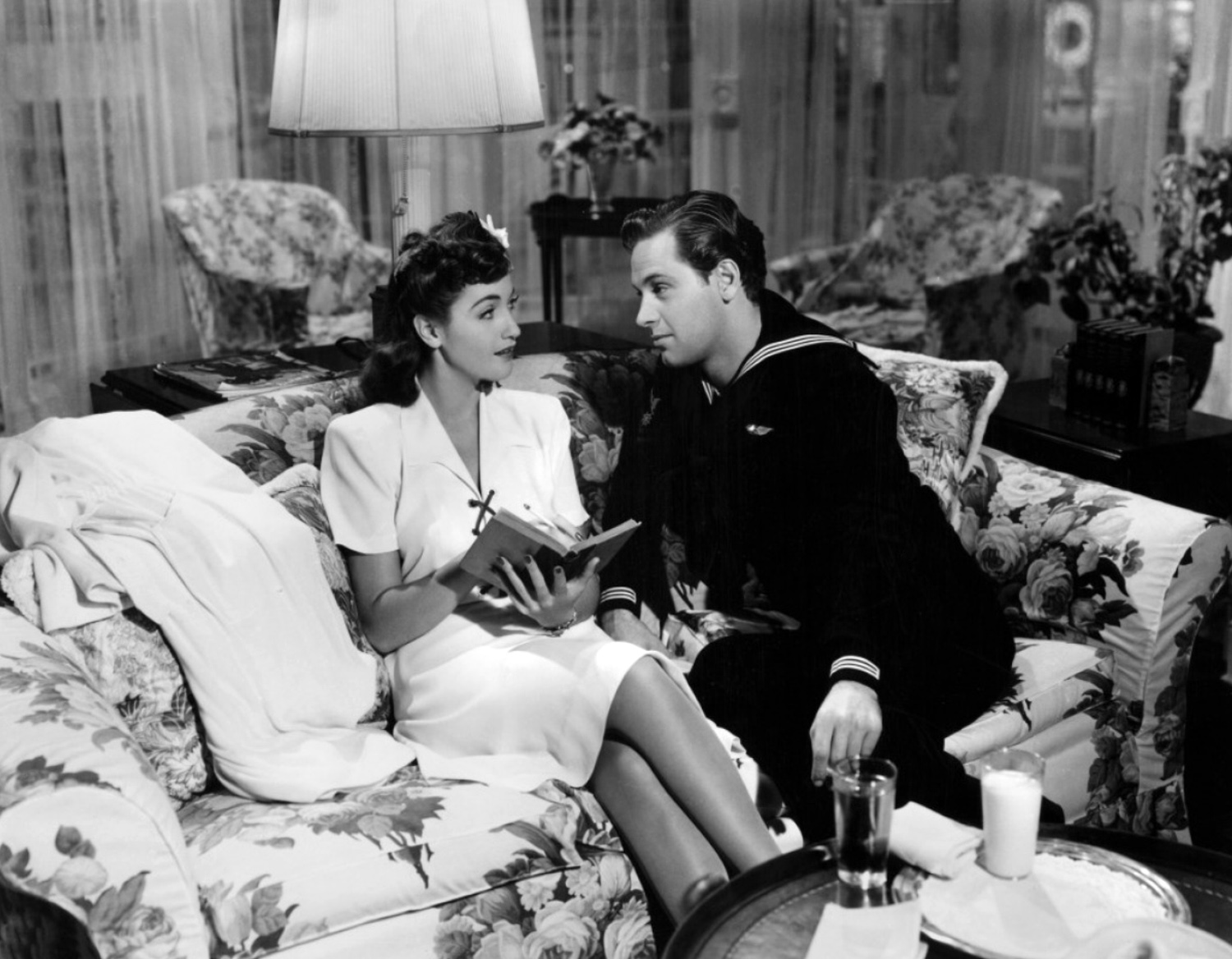 William Holden and Dorothy Lamour in The Fleet's In (1942)