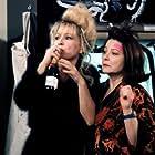 Nathalie Baye and Josiane Balasko in Absolument fabuleux (2001)