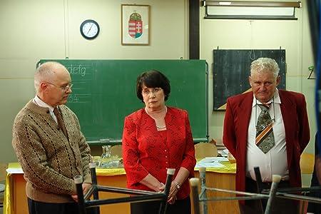 Watching old movies Egy szavazat Hungary [640x352]