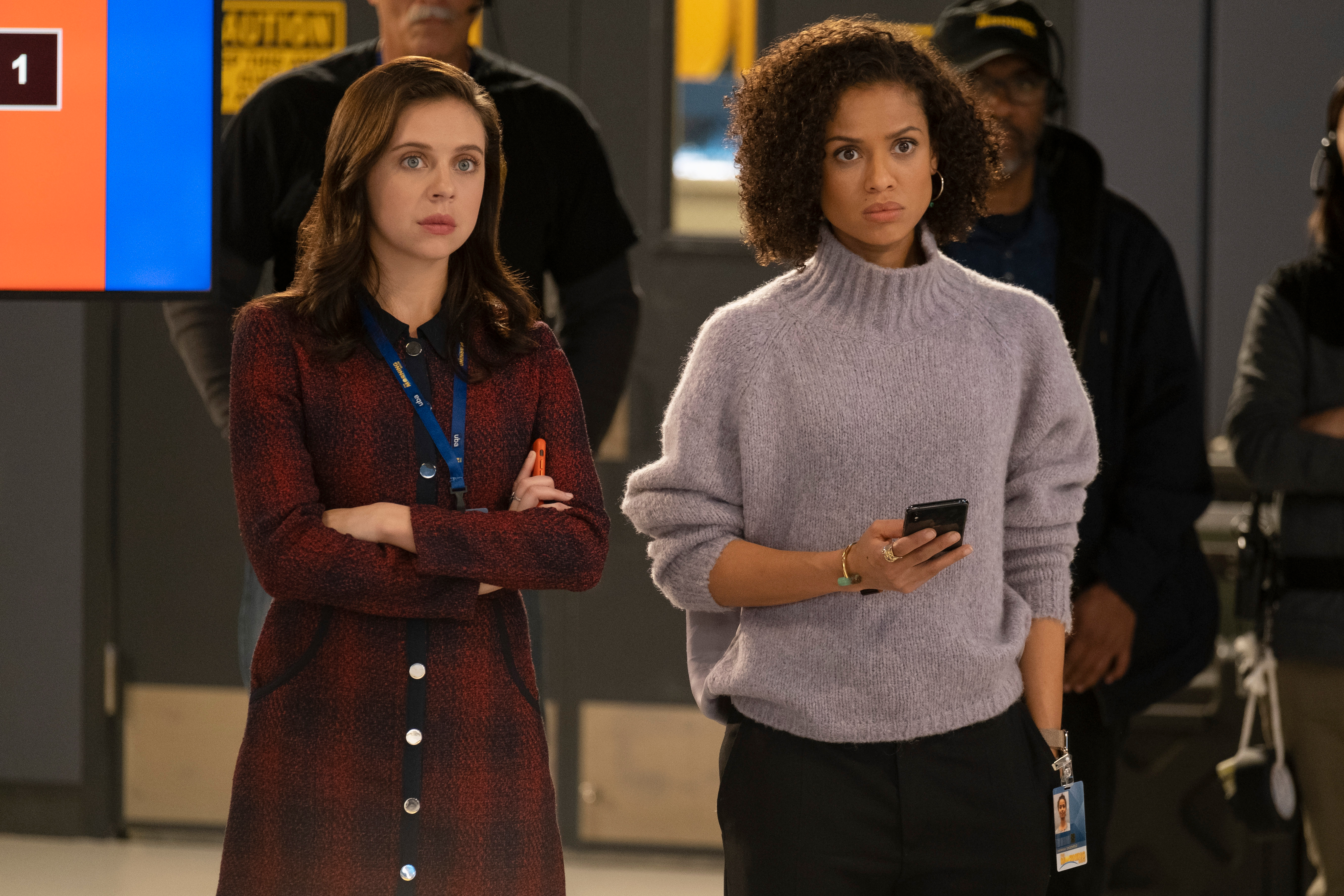 Gugu Mbatha-Raw and Bel Powley in The Morning Show (2019)